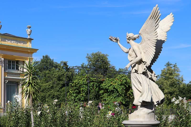 pałac w Wilanowie rzeźba Wiktorii