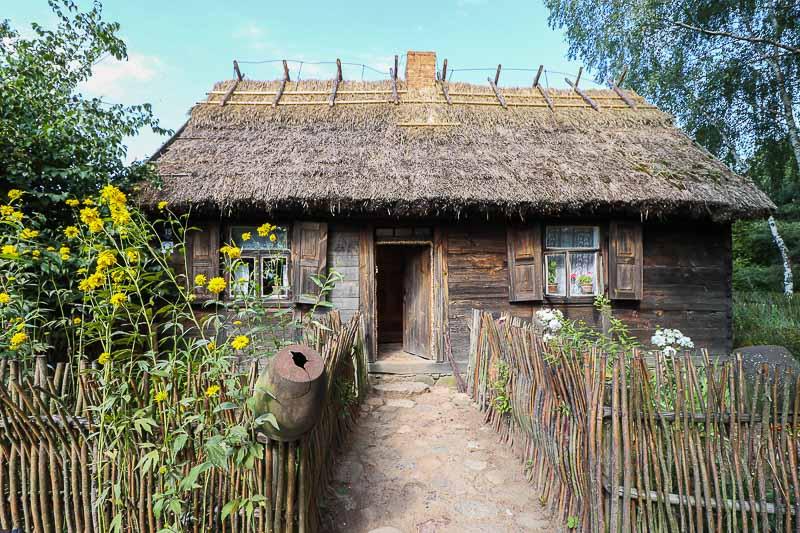 sierpc-skansen-chalupa-ze-wsi-rzeszotary