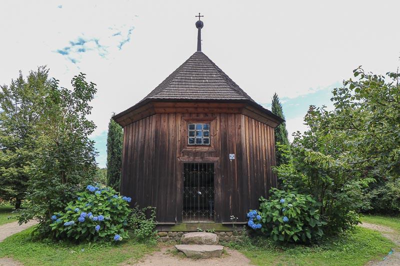 sierpc skansen kaplica przy dworze z Bojanowa