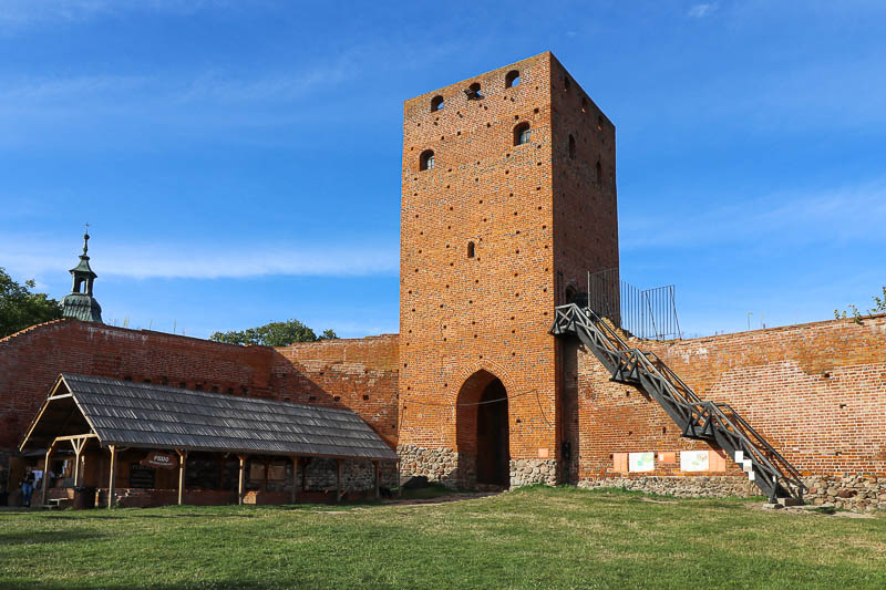 Zamek w Czersku wieża bramna