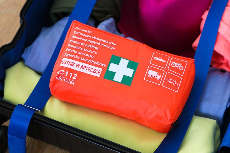 jak spakować walizkę apteczka podróżna