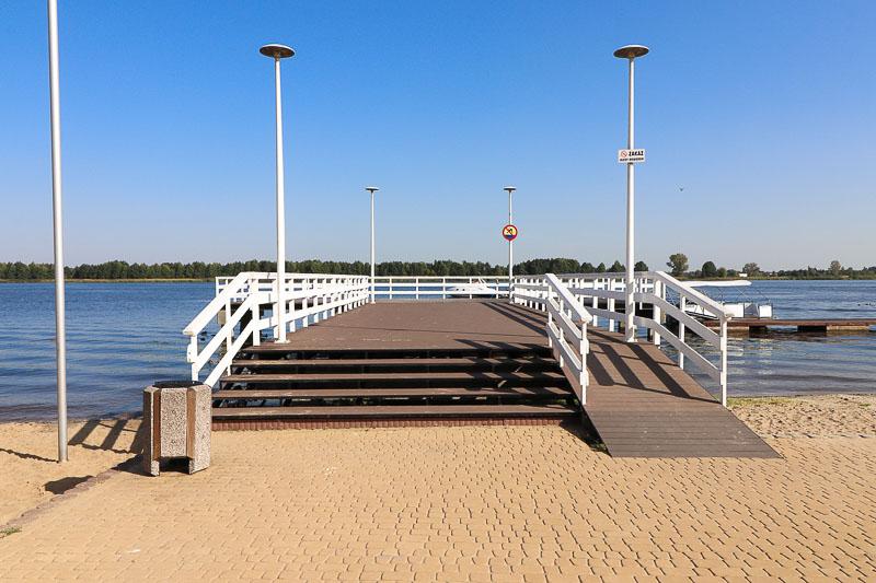 molo w serocku jezioro zegrzyńskie