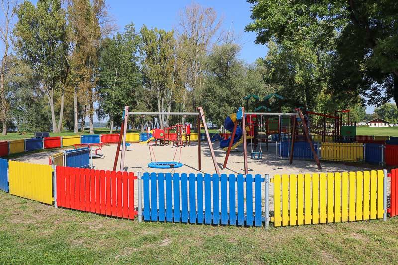 jezioro zegrzyńskie plac zabaw