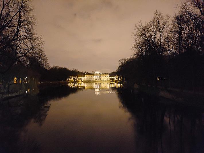 pałac na wyspie iluminacje łazienki królewskie