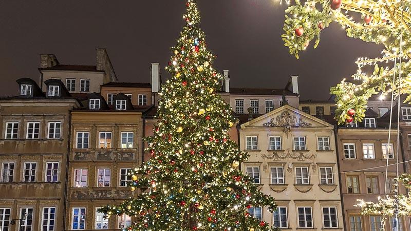 iluminacje świetlne rynek starego miasta w warszawie