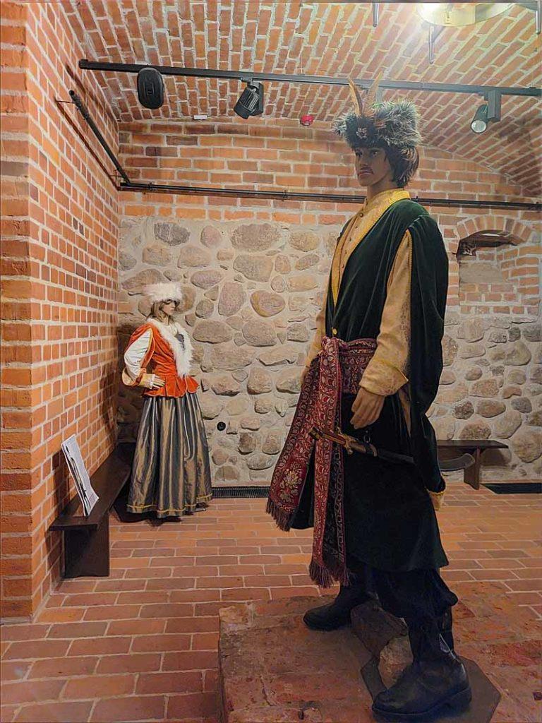 zamek liw piwnica zwiedzanie