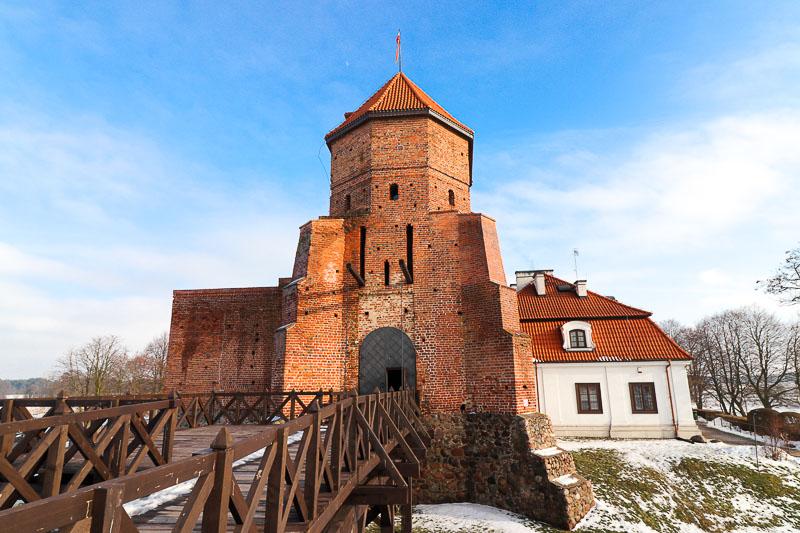 Zamek w Liwie wieża dwór