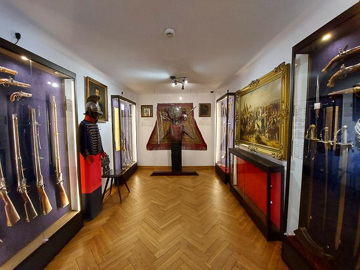 zamek w Liwie zbrojownia ekspozycja broni