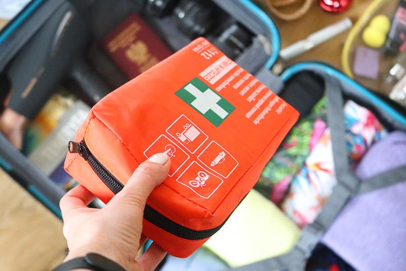 lista rzeczy na wakacje apteczka podróżna