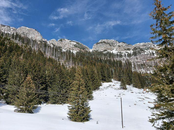 Hala Kondratowa widok na góry