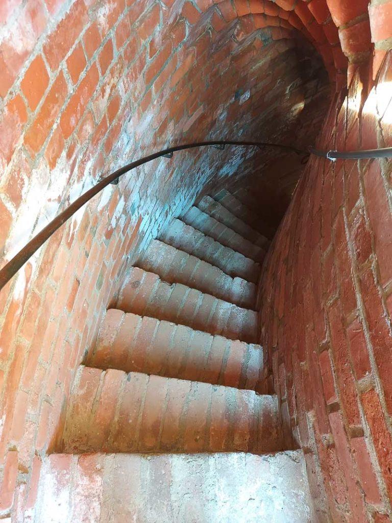 zamek w ciechanowie schody