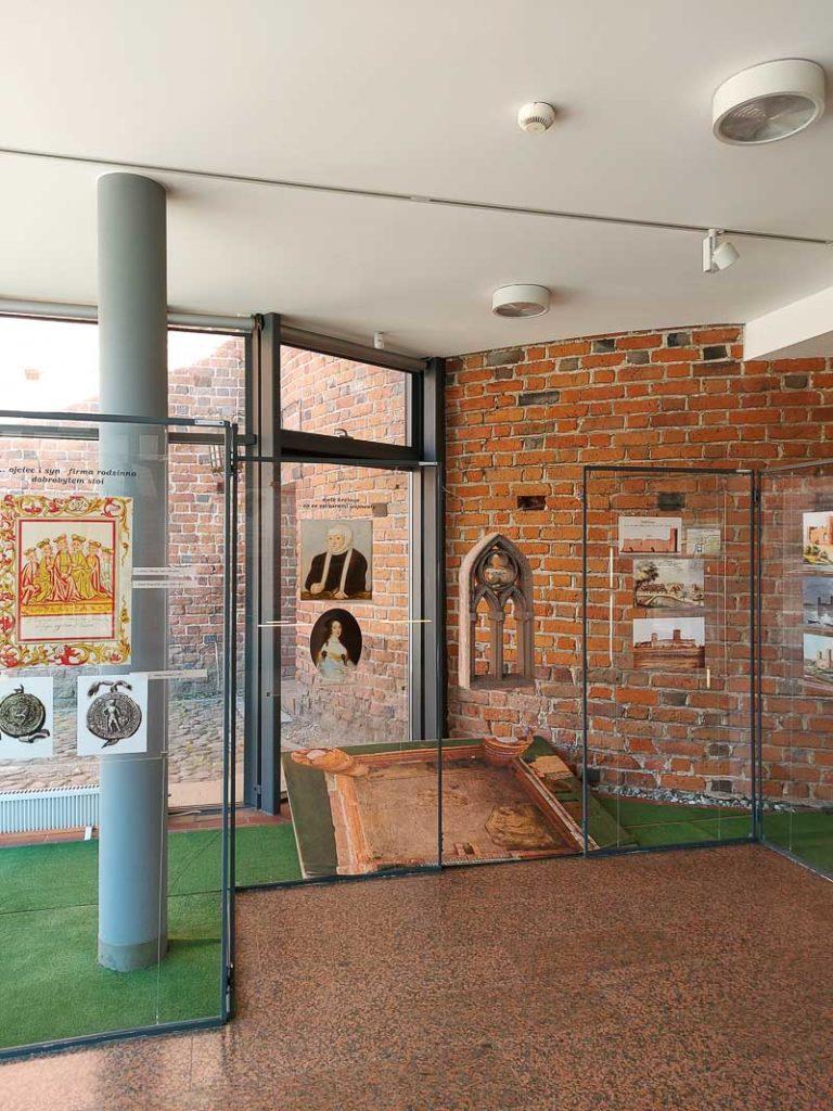 zamek w ciechanowie wystawa eksponaty