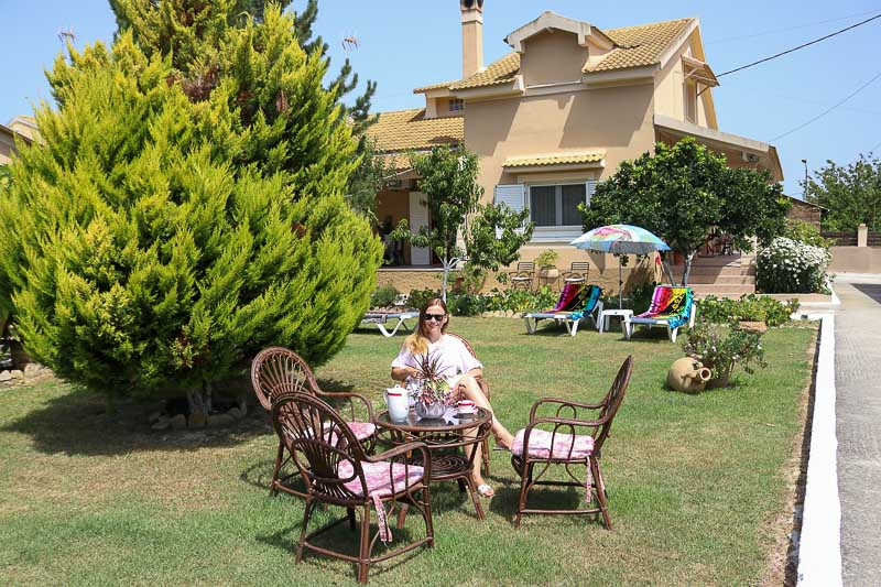 dom na Korfu z ogrodem